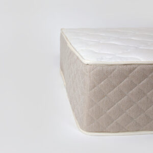 Waterline mattress by NAM House of sleep (picture 1)